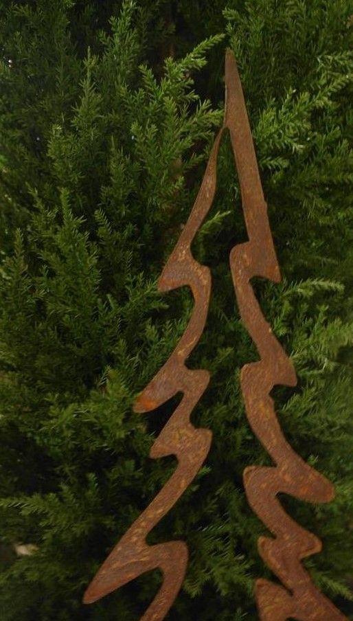 Rostiger Tannenbaum.Weihnachtsbaum Metall Bilder Rost Deko